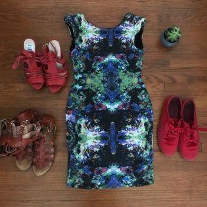 H&M Sleeveless Kaleidoscope Dress w Shoulder Pads